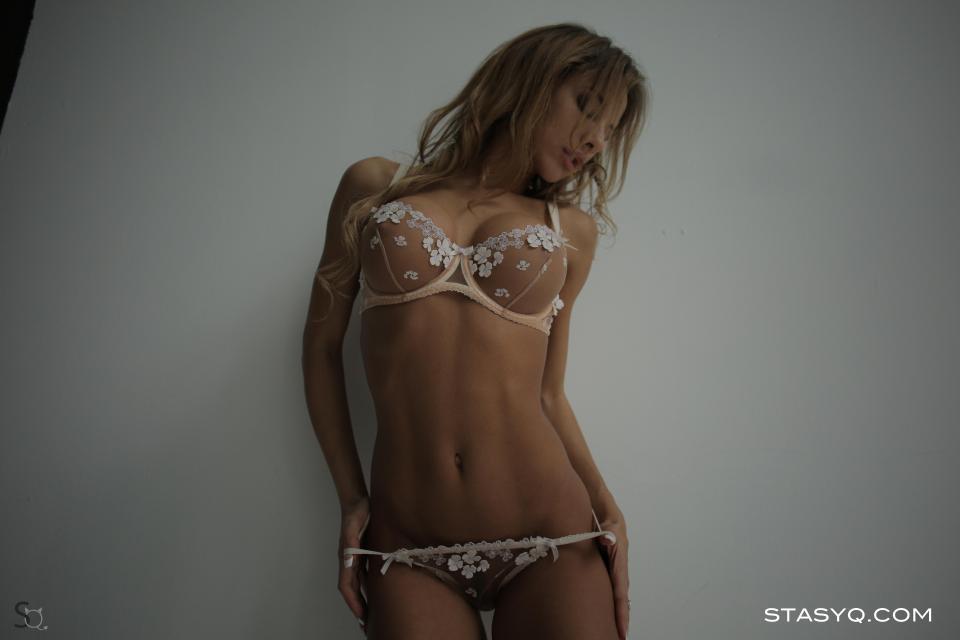 Video for StasyQ 210